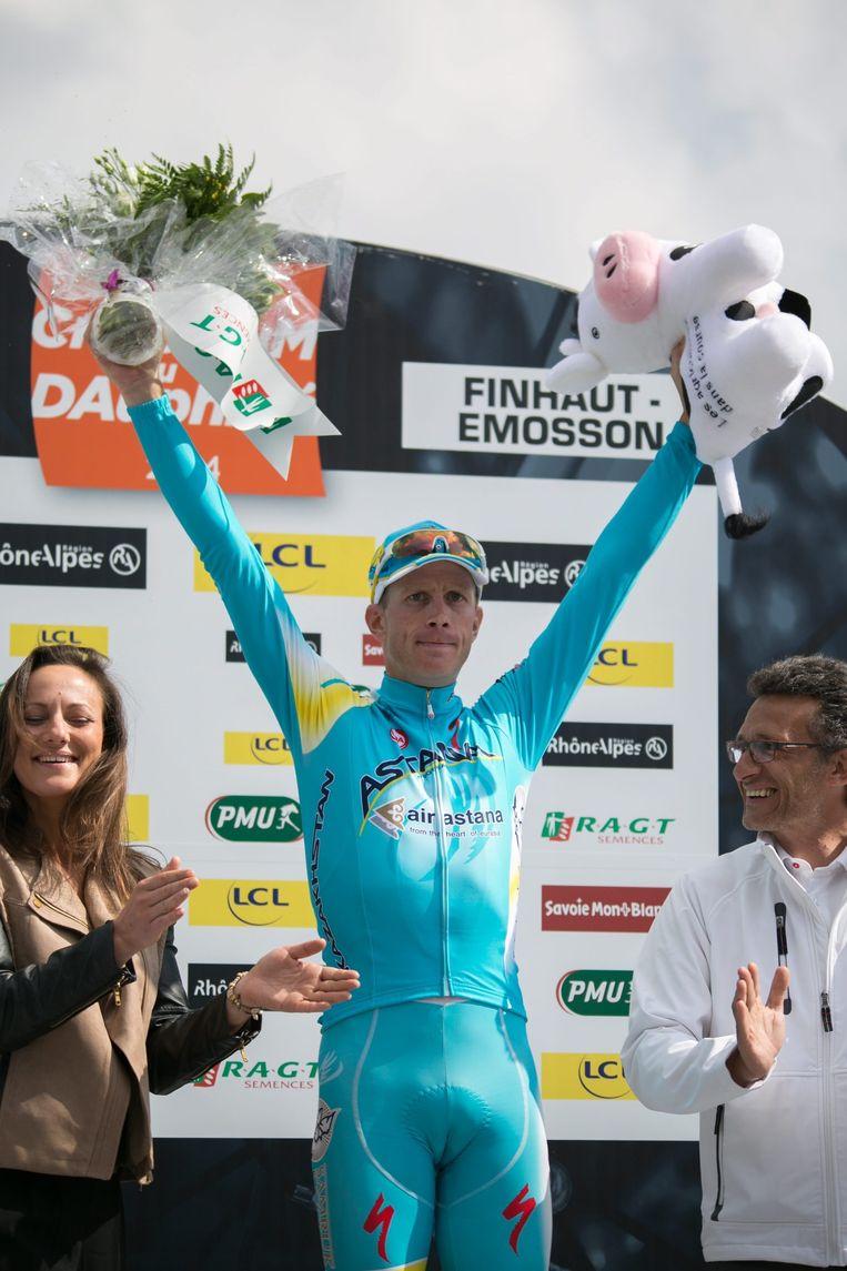 Lieuwe Westra viert een etappe-overwinning in de Dauphine UCI ProTour. Beeld anp