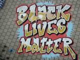 Black Lives Matter-kunstwerk in Eindhoven beklad