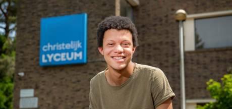 Chard (17) uit Vaassen peilde de stemming op eerste schooldag: 'Niet iedereen zal zich aan de regels blijven houden'