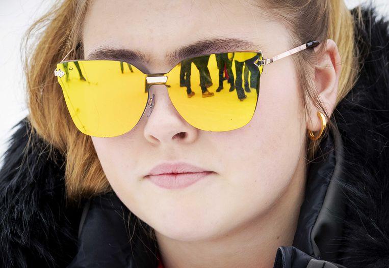 Kroonprinses Amalia werd met de bril gezien toen ze met haar familie ging skiën in het Oostenrijkse Lech.