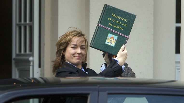 Marianne Thieme, leider van de Partij voor de Dieren, arriveert in november 2006 bij Paleis Noordeinde voor een onderhoud met koningin Beatrix, in aanloop naar de kabinetsformatie. Beeld ANP