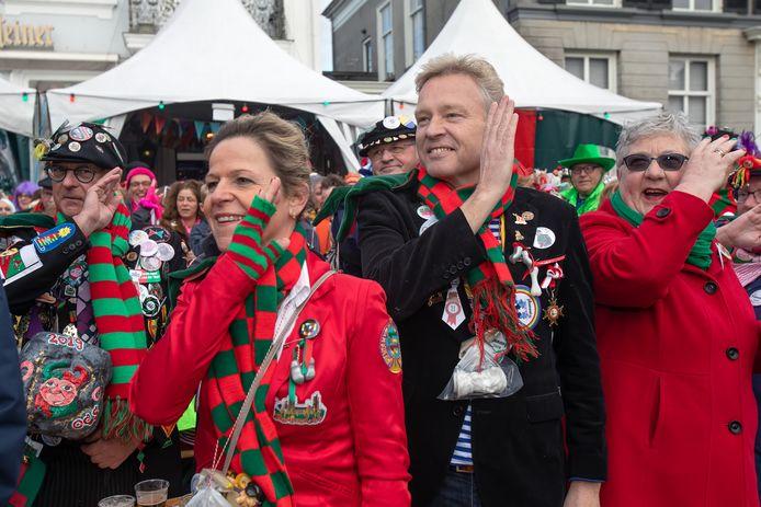 Mark Buijs met zijn vrouw Christel tijdens carnaval.