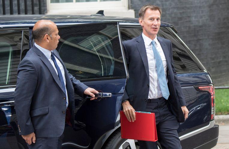 Jeremy Hunt arriveert. Minister van Volksgezondheid Hunt volgt op Buitenlandse Zaken Boris Johnson op.