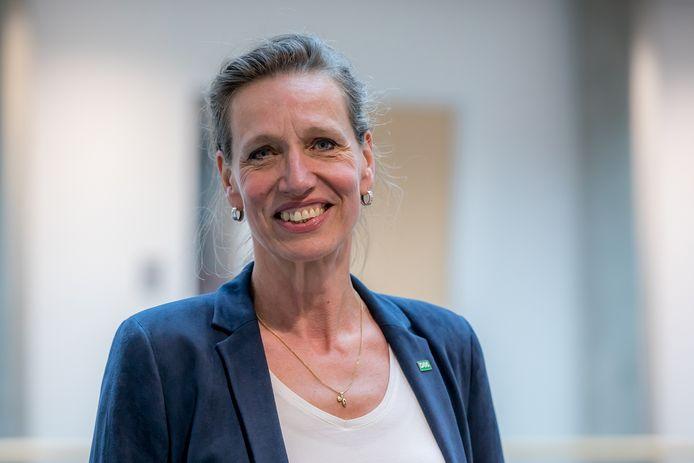 Fractievoorzitter Sandra Fontein van D66 blijft weg van de installatievergadering van de nieuwe SGP-wethouder Paula Schot.