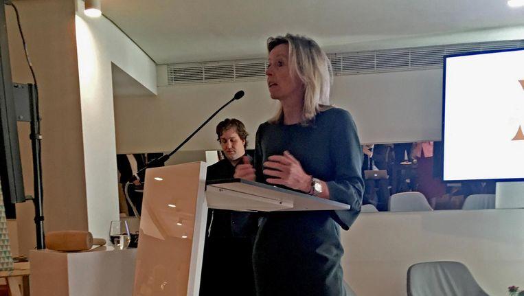 Kajsa Ollongren spreekt haar eerste publieke woorden als plaatsvervangend burgemeester van Amsterdam tijdens een bijeenkomst met de stadsbesturen van de G4 in Den Haag. Beeld Ruben Koops