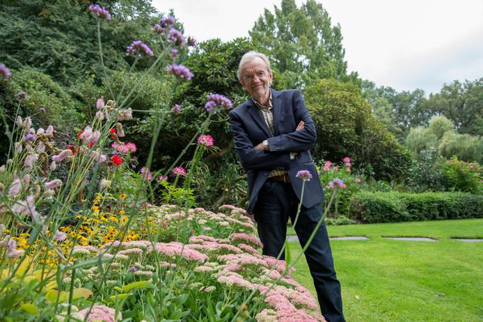 Lodewijk den Hengst, beter bekend als Lex Harding, is als tuinier een echte autodidact. ,,Je weet alleen door ervaring of een uitheemse plant het goed doet in ons klimaat.''