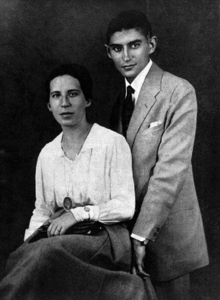 Franz Kafka met verloofde Felicita Bauer in 1917. Beeld getty