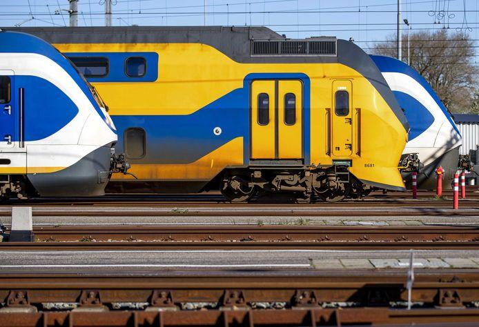 Met het wegvallen van de intercity zijn veel reizigers op Amsterdam meer reistijd kwijt.
