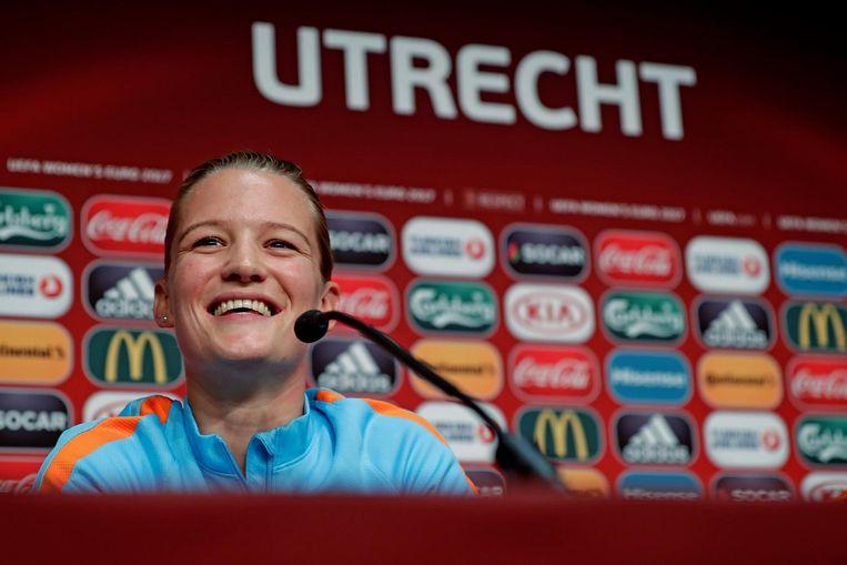 Mandy van den Berg staat de pers te woord. Beeld anp