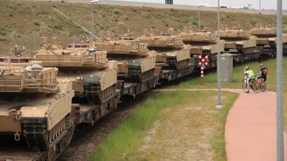 Amerikaans legermateriaal per trein naar Polen