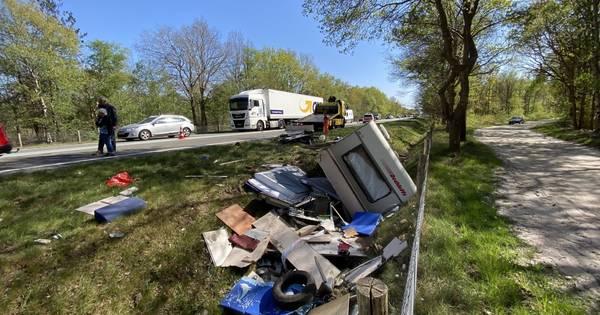 Ravage na ongeluk op N48 tussen Ommen en Zuidwolde, een rijstrook dicht.