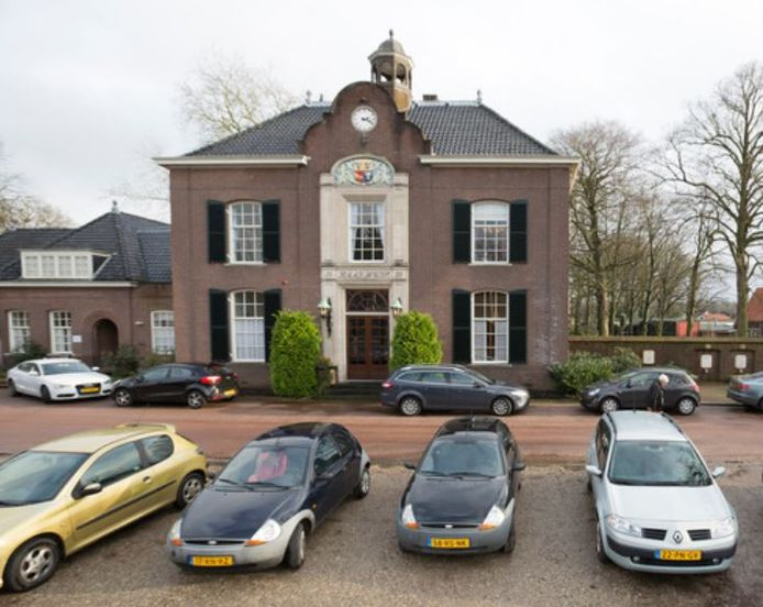 De renovatie van het raadhuis van Heerde moet vanaf mei gaan starten. Er is vier ton extra nodig.