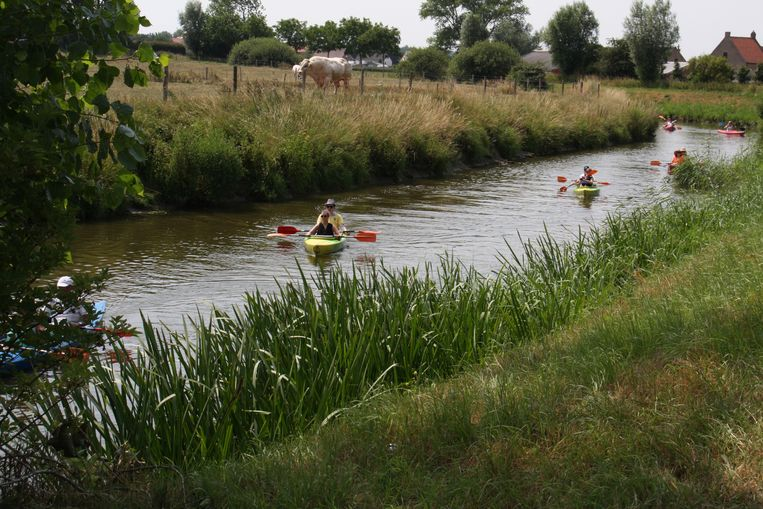 Kajakplezier tijdens Waterrijk Diksmuide.