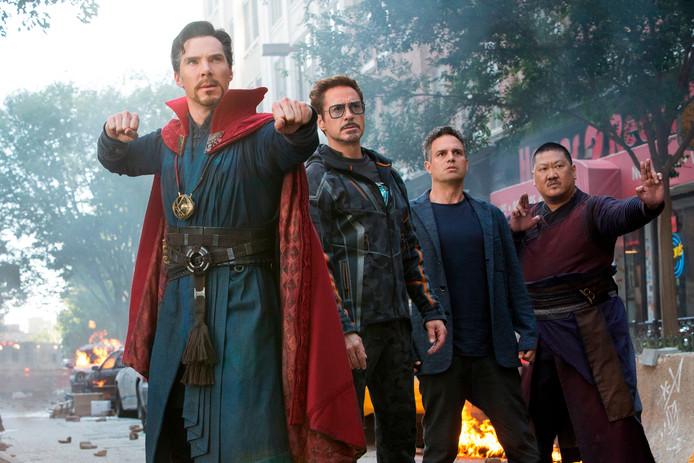 Benedict Cumberbatch, Robert Downey Jr., Mark Ruffalo en Benedict Wong in een scene van Avengers: Infinity War. FOTO: Marvel Studios/AP