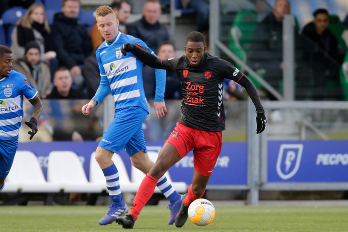 Riechedly Bazoer kwam het afgelopen halfjaar op huurbasis uit voor FC Utrecht.