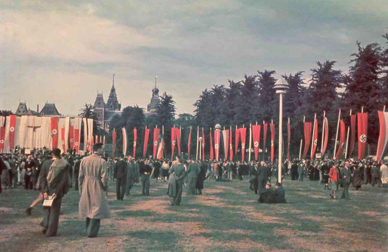 27 juni 1941: Duitse propagandabijeenkomst op het IJsclubterrein (nu Museumplein) naar aanleiding van de Duitse inval in de Sovjet-Unie, vijf dagen eerder.  Beeld niod