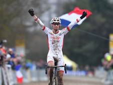 Mathieu van der Poel pakt in Nommay zesde wereldbekerzege