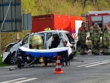 Gewonde bij frontale botsing op Lijnweg in Rhenen