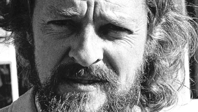 De overleden Vlaamse schrijver Hugo Raes.