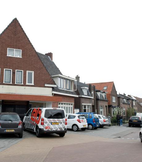 Wie geen Nederlands spreekt, komt café in Tiel niet binnen