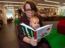 Lesje dialect voor kersverse moeders in Salland: zorgverzekeraar stuurt dialect-boekje van Nijntje