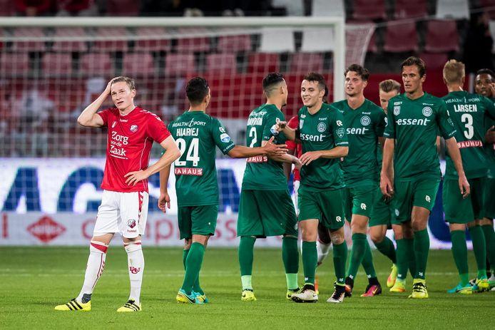 Teleurstelling bij FC Utrecht speler Rico Strieder (L) na de 1-4 voor Groningen in september 2016.