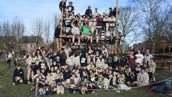Scouts vieren honderdjarig bestaan met optocht door het dorp