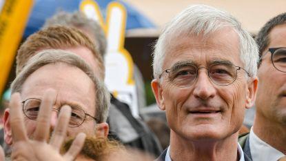 Vlaams Belang krijgt twee Europese zetels extra, N-VA verliest er één, Bourgeois troeft Verhofstadt nipt af