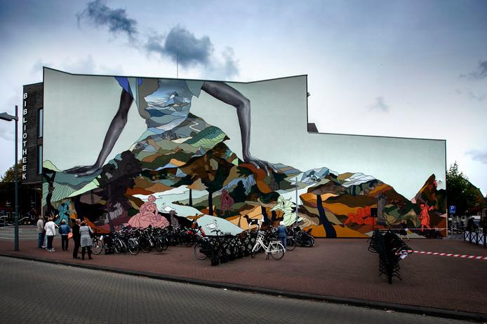 Helmond onthulling mural op bibliotheek