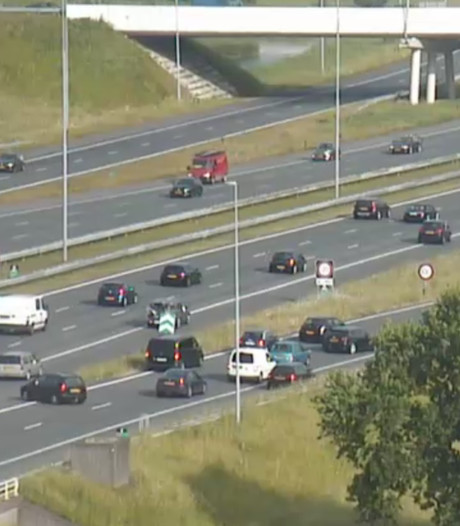 Auto's achteruit op A27 na fataal ongeluk