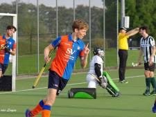 Topscorer Bart Zwaanswijk (HCHW) uit Westmaas leeft voor doelpunten