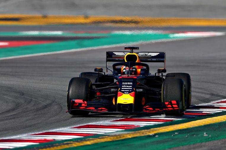 Max Verstappen tijdens de testdagen in Barcelona. Beeld Getty Images