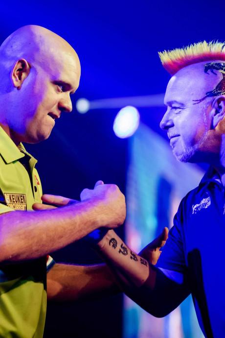 Oude tijden herleven bij Kings of Darts in Den Bosch: Van Gerwen vs Taylor