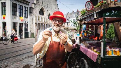 Neuzenman Carl weer op Groentenmarkt, ver genoeg van Sony