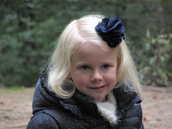De inmiddels jaar 7-jarige Emma uit Hank heeft Q-koorts. Vorig jaar vertelde ze samen met haar moeder over haar ziekte.