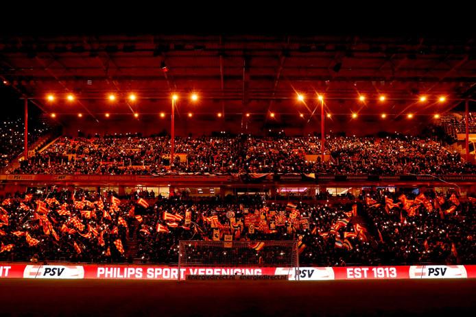 Het Philips Stadion voor aanvang van PSV - AZ.