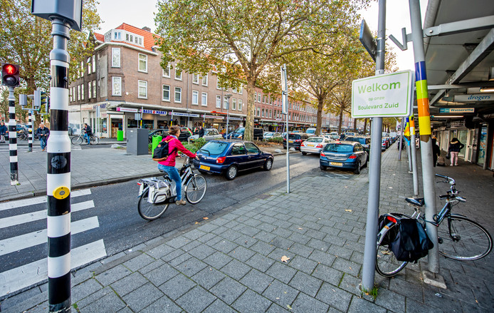 Op de Groene Hilledijk komen minder winkels. Rotterdamse winkelstraten buiten het centrum worden ingekort om leegstand te voorkomen.