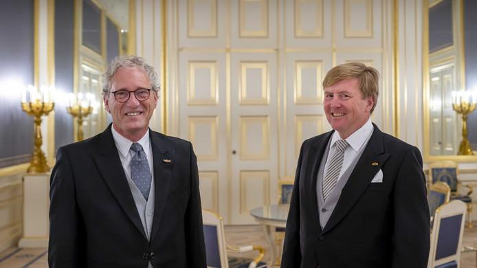 Koning Willem-Alexander tijdens de beediging van Thom de Graaf als vice-president van de Raad van State. ANP POOL ROYAL IMAGES FRANK VAN BEEK