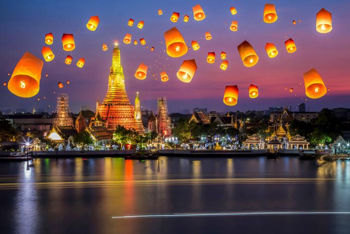 Feestdag Loy Krathong  Wat Arun in Thailand