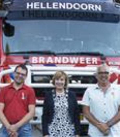 Brandweerlieden krijgen lintje bij afscheid