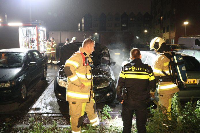 Kanaalzichthof: auto in brand gestoken in Leidsche Rijn.