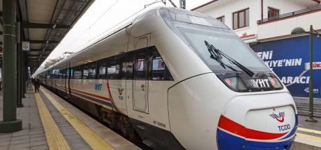 Vier doden en 43 gewonden bij treinongeluk in Turkije