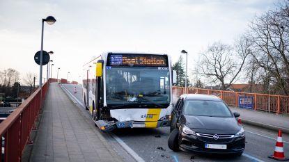 Brandweer rukt uit voor ongeval met Lijnbus
