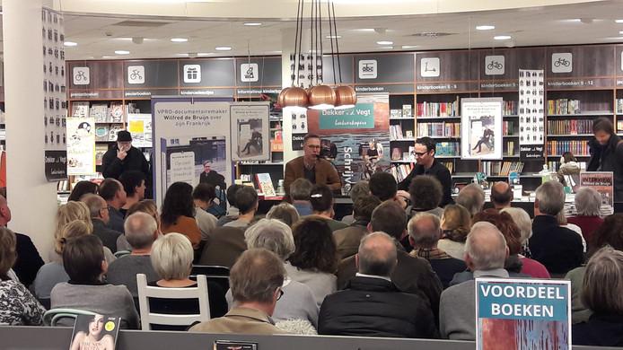 Wilfred de Bruijn in boekhandel Dekker van de Vegt.