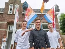 Driedubbel feest in huize Van Duinhoven in Volkel: alle broers zijn geslaagd!