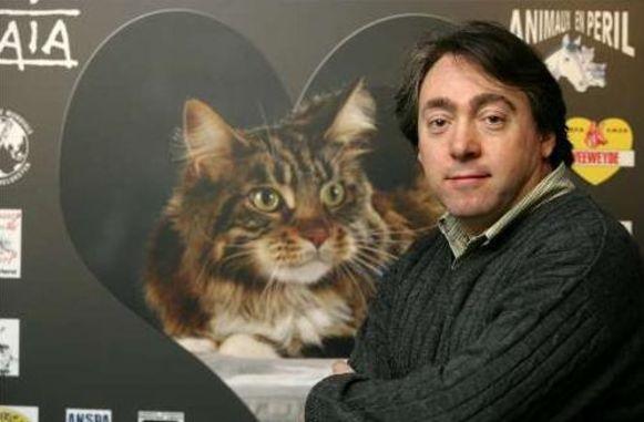 Michel Vandenbosch bij de voorstelling van de campagne tegen jacht op katten.