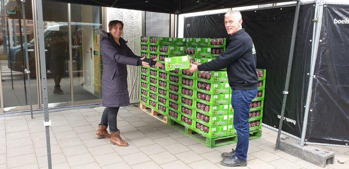 Snoeptomaatjes Tommies voor de medewerkers van het Reinier de Graaf Ziekenhuis in Delft.