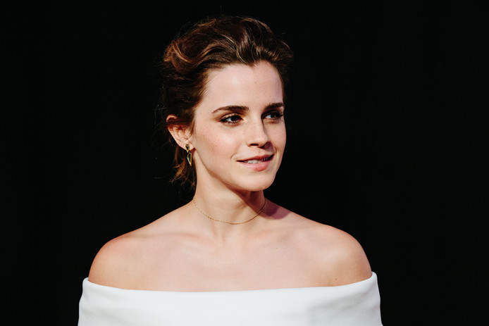 Emma Watson, qui aura 30 ans en avril, déclare ne pas avoir besoin d'un homme à ses côtés pour le moment.
