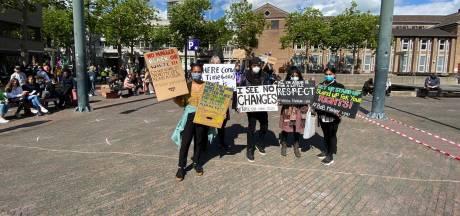 Demonstratie tegen racisme in Eindhoven op het Stadhuisplein