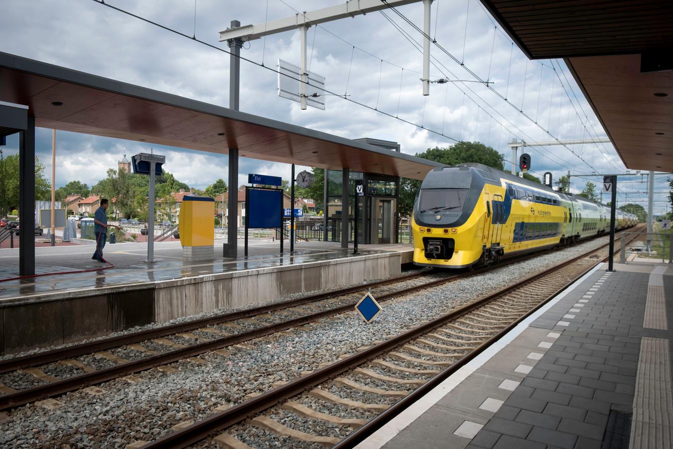 Station Elst op archiefbeeld.